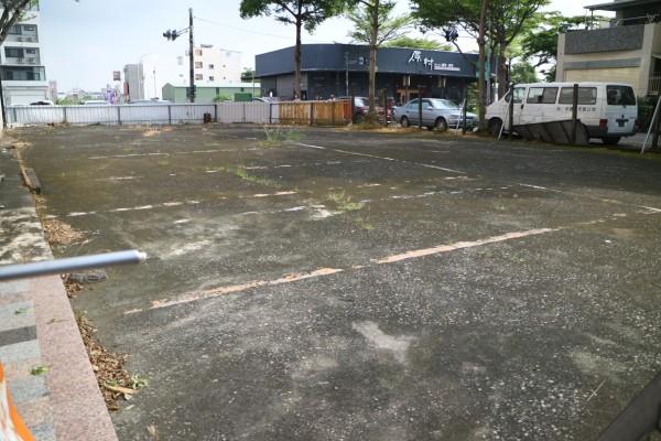 大灣探索公園旁三面路建地